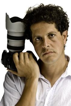 Bento Viana é fotógrafo há mais de 20 anos e já fez click por vários países do mundo  (Cacau Mangabeira/Divulgação)