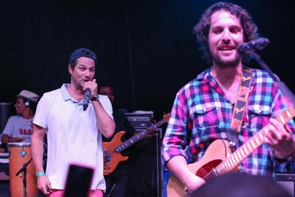 Marcelo Serrado e Rodrigo Lampreia, da banda Os Benditos (Paulo Cavera/Divulgação)