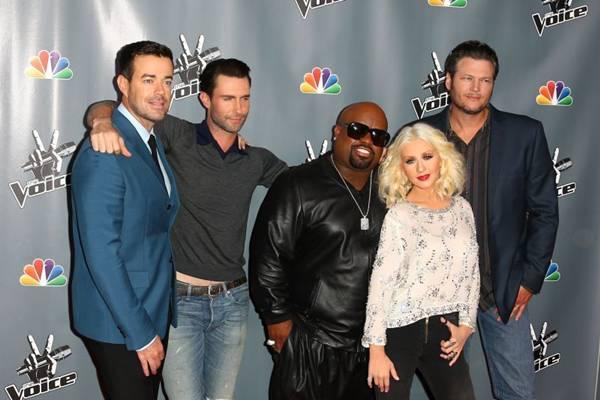 A final será disputada pelos times de Christina Aguilera e Adam Levine (Joe Scarnici/Getty Images/AFP)