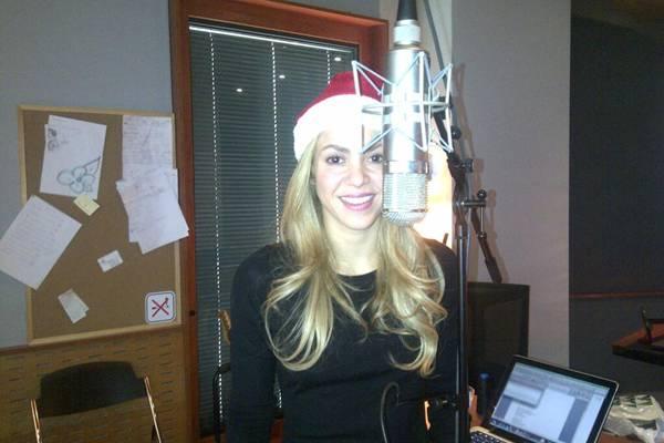 Atualmente, Shakira está gravando as canções do próximo álbum (Reprodução/Twitter@shakira)