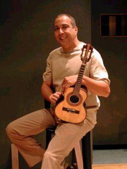 Músico Sombrinha (Eduardo Zoqui/Divulgacao)