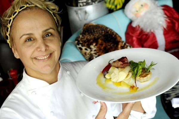 A chef Mara Alcamim, do Universal Diner, mescla bacalhau e costela suína no mesmo prato  (Carlos Vieira/CB/D.A Press)