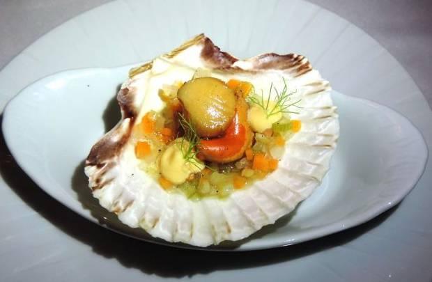 Vieiras marinadas no molho escabeche de caldo de peixe, vinagre de arroz, aceto balsâmico (Liana Sabo/CB/D.A Press)