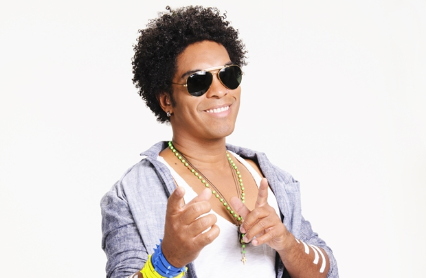 O grupo, que já contou com Carlinhos Brown nos vocais, tem hoje o vocalista Denny à frente dos microfones (Sérgio Murici/Divulgação)