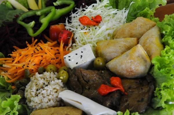 30 pratos compõem o bufê do restaurante Boa Saúde (Carlos Vieira/CB/D.A Press)