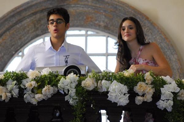 Miguel Rômulo e Isabelle Drummond em Caras & Bocas, novela exibida entre 2009 e 2010 (Renato Rocha Miranda/TV Globo)