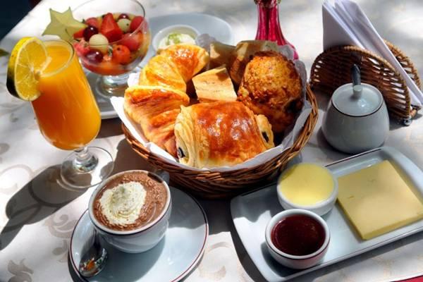 Iguarias típicas da França à mesa de café do Daniel Briand  (Bruno Peres/CB/D.A Press)