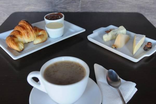 O pão é a estrela do La Boutique, que oferece baguetes, ciabatas e mais (Carlos Moura/CB/D.A Press)