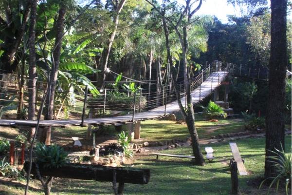 Trilhas, rally de motocross e passeios a cavalo compõem as atividades do local (Fazenda Taboquinha/Divulgação)