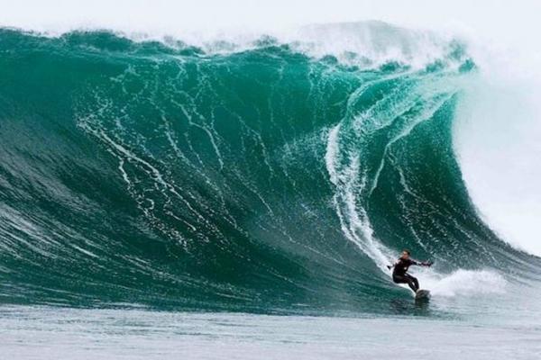 Gabe Davies está no documentário sobre os grandes nomes do surf (Canal Off/Divulgação)