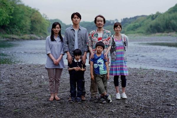 Os personagens de Pais e filhos: drama de Koreeda mostra dois tipos de pai (Imovision/Divulgação)