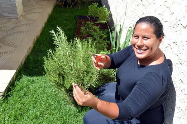 A professora de gastronomia Ana Carolina sugere o cultivo de hortas em casa (Gustavo Moreno/CB/D.A Press)