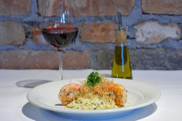 O risoto de alho-poró e camarão é uma das opções do restaurante Gero ( Breno Fortes/CB/D.A Press)