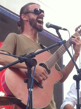 O músico aproveita os domingo para criar novas canções ( Arquivo Pessoal)
