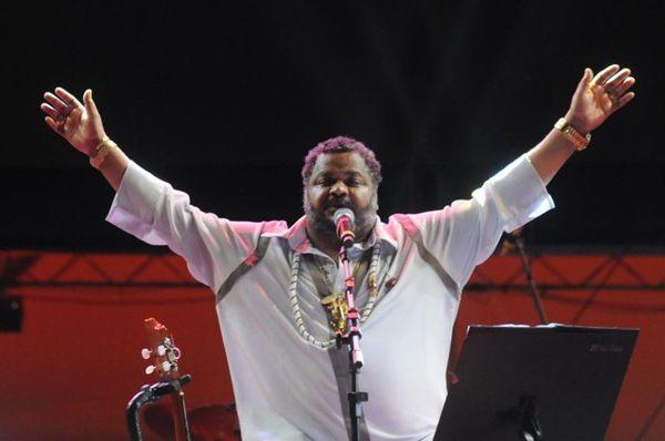 Apresentação do cantor Arlindo Cruz no evento Samba Brasília em 2013, no estacionamento do Estádio Nacional de Brasília Mané Garrincha (Carlos Moura/CB/D.A Press)