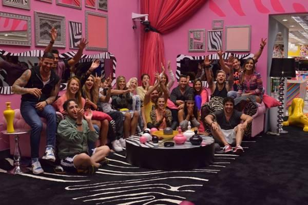 Participantes durante a estreia da 14ª edição do reality Big Brother Brasil  (Frederico Rozario/TV Globo)