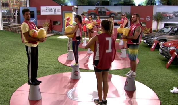 Participantes ainda enfrentam prova do líder (TV Globo/ Reprodução)