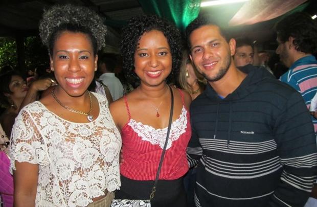 Eveline Neres, Ana Flávia Magalhães Pinto e Artur Senna (Alexandra Paiani Tondolo/Divulgação)
