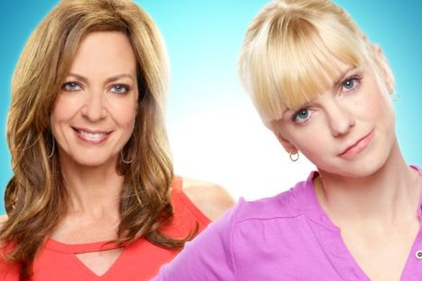 Nova atração de Chuck Lorre, de The Big Bang theory, Mom aborda a relação entre mãe e filha  (CBS/Divulgação)