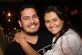 Marcelo Assem e Camila Inara no show do Grupo Clareou, na Asbac (Lula Lopes/Esp. CB/D.A Press)