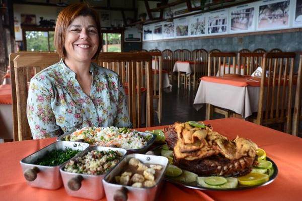 Carminha Bravo se orgulha de aliar boa cozinha a trilhas ecológicas em seu Trem da Serra (Ed Alves/CB/D.A Press)