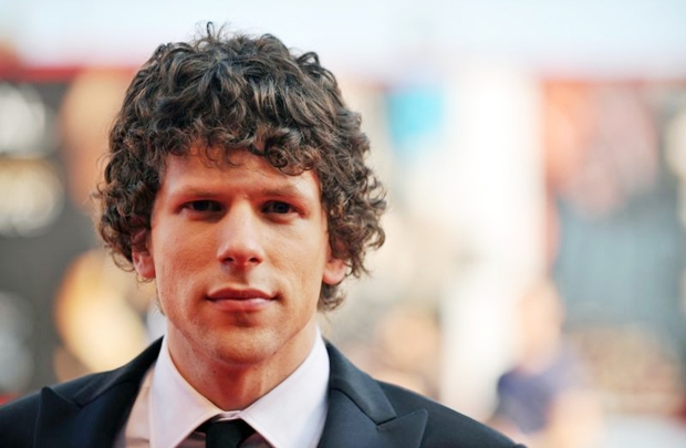 Eisenberg é o ator mais novo a interpretar Lex Luthor (AFP PHOTO / TIZIANA FABI)