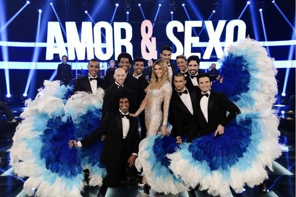 Fernanda Lima e dançarinos, durante programa Amor e Sexo (Raphael Dias/TV Globo)