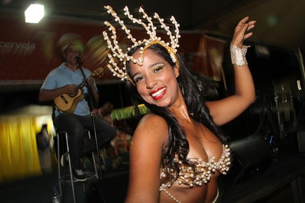 Rainha da bateria Camila Almeida  (Lula Lopes/CB/D.A Press)