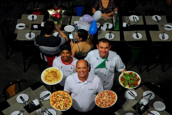 Paulo Bessa criou um rodízio democrático: %u201CAceito sugestões de novos sabores%u201D  (Janine Moraes/CB/D.A Press)