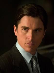 Ator Christian Bale (Bruce Wayne) no filme 'Batman Begins', em 2005 (David James/Divulgacao/Warner Bros)