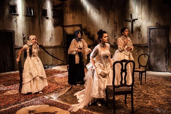 Em Casarão ao Vento, três irmãs questionam os motivos do casamento marcado  (João Julio Mello/Divulgação )