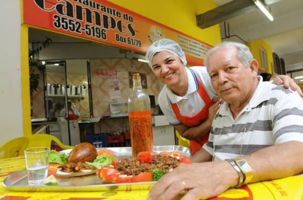 Jaime Campos e a esposa, Lenise, aliam simpatia à gastronomia (Iano Andrade/CB/D.A Press)