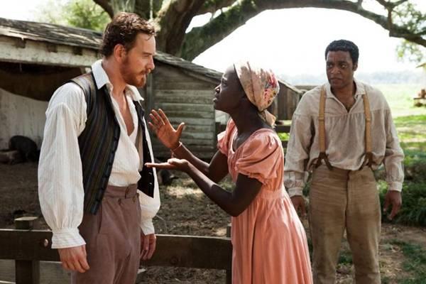 No longa, escravos são obrigados a trabalhar em campos na Lousiana (Sony PIctures/Divulgação)