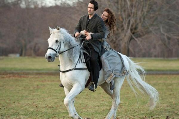 Colin Farrell e Jessica Brown Findlay em cena de Um conto do destino  (Warner/Divulgação)