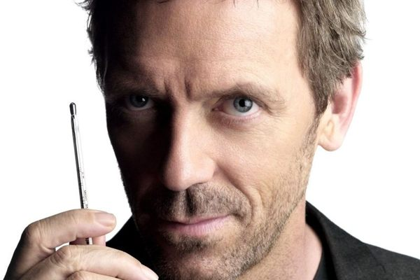 Dono de um jeito peculiar, o médico House segue na programação (Canal Universal/Divulgação)