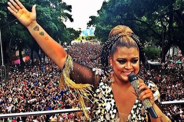 Apesar das brigas, a cantora agradeceu os fãs em rede social: 'Obrigada meu Rio de Janeiro. Muito orgulho de ser carioca' (Reprodução/Instagram@pretagil)