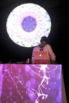 O DJ Daniel Black é uma das atrações do evento (Luis Xavier de França/Esp. CB/D.A Press)