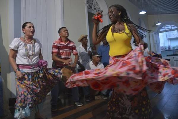 A dança de origem africana tem a história contada de maneira distinta (Wilson Dias/Agência Brasil)