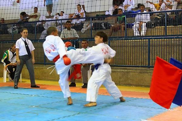 Disputa na Copa Centro-Oeste: Brasília foi fundamental na popularização do esporte entre as crianças no país (Lindomar Matos/Divulgação)