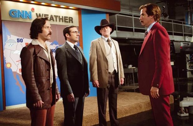 Quarteto de jornalistas enfrenta jornada à frente de um novo canal de notícias (Paramount Pictures/Divulgação)