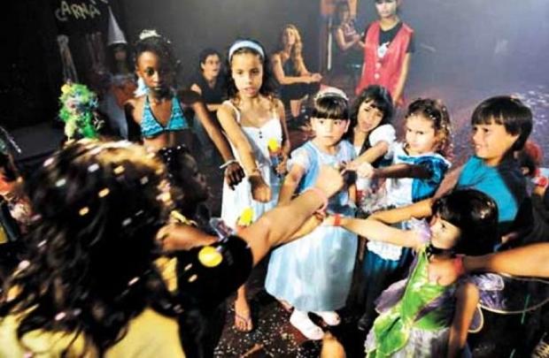 Crianças poderão confeccionar a própria máscara e terão um baile só para elas no Mapati (Dayse Hansa/Mapati)