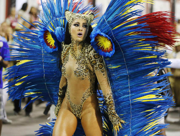 Sabrina Satto, um dos destaques da Vila Isabel (REUTERS/Sergio Moraes )