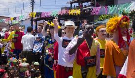 Mais de 100 bonecos gigantes desfilaram pelas ruas de Olinda (Jan Ribeiro/Divulgação Prefeitura de Olinda)