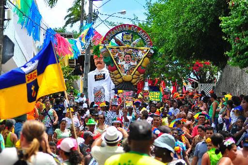 Bacalhau do Batata desfila pelas ruas de Olinda (Julio Jacobina/DP/D.A Press)