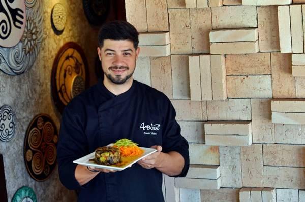 Daniel Vieira troca espaguete tradicional pelo de cenoura com abobrinha, em alternativa saudável aos clientes do bistrô  (Gustavo Moreno/CB/D.A Press)