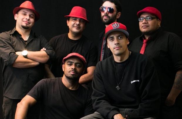 O grupo Funkeando comanda festa na Ascade (Rodrigo Resende/Divulgação)