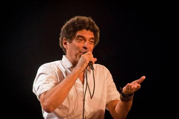 O cantor sobre aos palcos às 20h, no Teatro da Caixa  (Isabelle Neri/Divulgação)