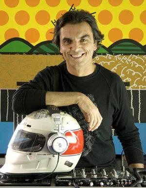 Ex-piloto de Formula 1 e Indy, hoje DJ, Raul Boesel (Drausio A./Divulgação)