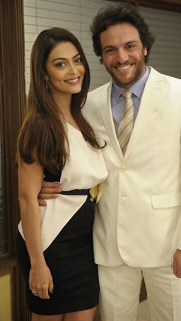 Rodrigo Lombardi  e Juliana Paes á contracenaram juntos em 'Caminho das Índias' e 'O astro' ( TV GLOBO / Renato Rocha Miranda)