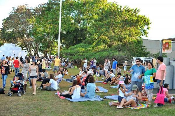 Público durante o evento Picnik em 2013 (Luis Xavier de França/Esp. CB/D.A Press)